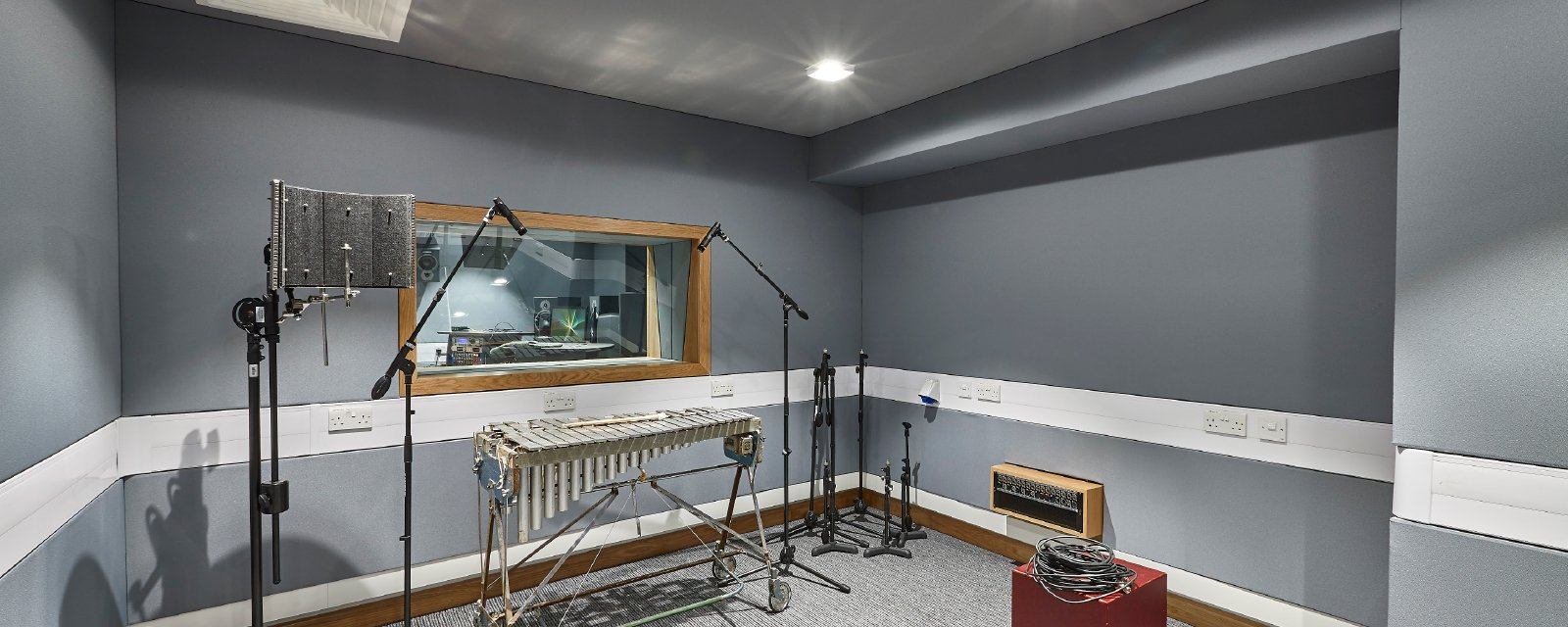 Our acoustic solutions optimise professional spaces!