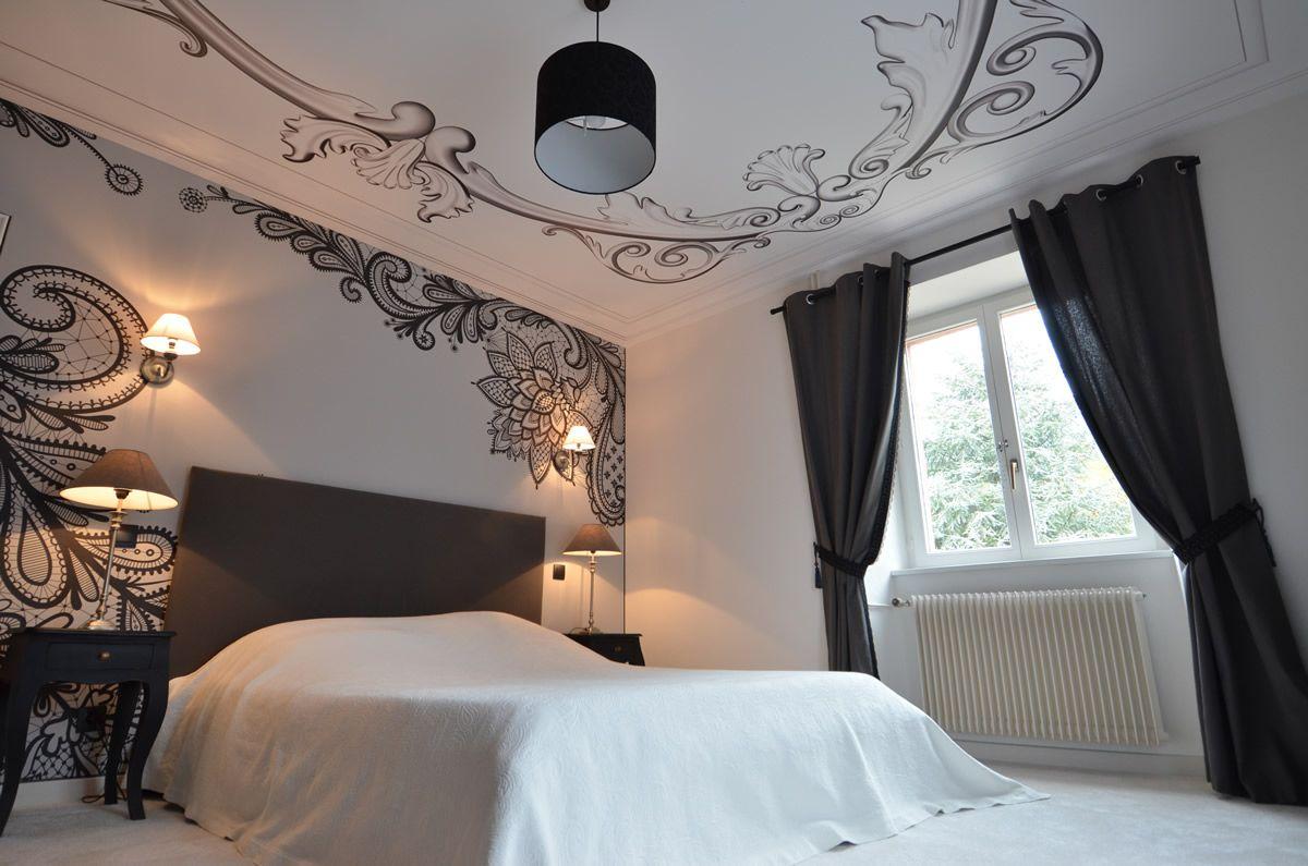 les plafonds et murs tendus dans les chambres clipso. Black Bedroom Furniture Sets. Home Design Ideas