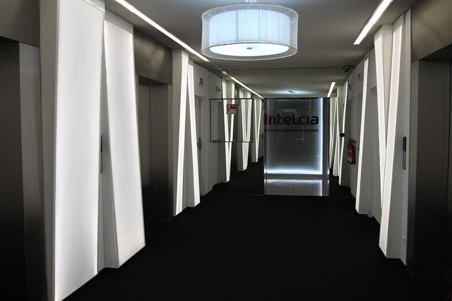 cloison sur mesure clipso fabricant de murs et plafonds tendus. Black Bedroom Furniture Sets. Home Design Ideas